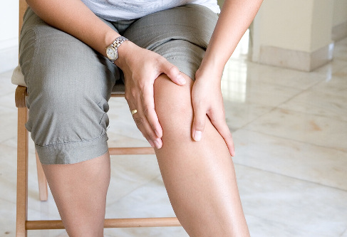 Dureri dureroase ocazional ale articula?iei ?oldului
