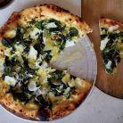 Pizza cu crema de usturoi verde si urzici