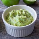 Pasta de chia cu avocado si ceapa
