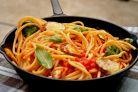 Paste cu rosii si zucchini – o varianta light de paste pentru slabit