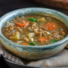 Supa energizanta cu linte, morcovi, chimen si usturoi