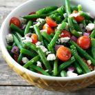 Salata pentru slabit cu fasole verde, seminte de susan si rosii cherry