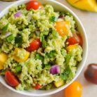 Salata cu guacamole si quinoa