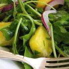 Salata verde cu ananas si branza feta