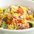 Salata cu porumb, cuscus si caise uscate