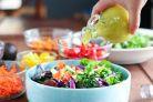 Testeaza cele 6 salate zemoase si cremoase de slabit