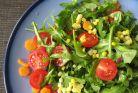 Salatele verii care detoxifiaza, alcalinizeaza si ard grasimile
