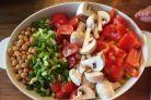 Salatele lunii septembrie sunt consistente si ajuta la slabire