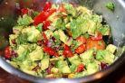 7 Salate delicioase de toamna din avocado pentru satietate – fara calorii in plus