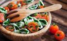Salate care te scapa de burta din legumele tale preferate