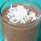 Desert fara zahar: budinca de avocado cu chia si cacao