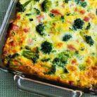 Broccoli la cuptor cu cartofi, branza si ou
