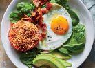 Meniuri bazate pe fibre si proteine pentru masa de dimineata