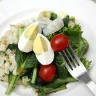 De ce e bine sa pui oua in salatele tale
