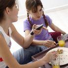 4 reguli pentru a-i invata pe copii sa manance sanatos
