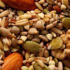 Consuma nuci si seminte hidratate