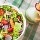6 salate sub 300 de calorii pe care sa le introduci in dieta ta