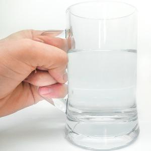 5 semne ca nu bei suficienta apa