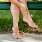 Picioare umflate, obosite si grele? Iata 5 remedii care chiar functioneaza