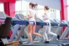 Inotul sau alergatul: cum arzi mai multe calorii?