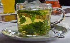 De ce slabesti daca bei ceai cu menta