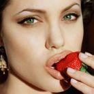Angelina Jolie si isteria mastectomiei